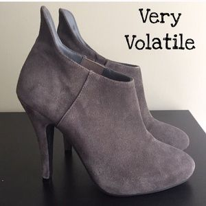 Very Volatile Grey Leather Booties Size 6.5